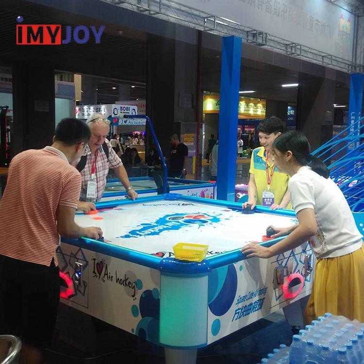 Bom engraçado 4 jogador air hockey moeda operado máquina de jogo + tabela do hockey do ar 4