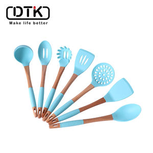 New design Silicone and wood Cooking Utensils Kitchen Utensil Set  Heat Resistant Kitchen Utensils Spatula Set with Holder