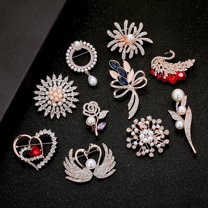 Hot Style Pendant Pearl Rose Flower Jewelry Elegant Lady Brooch Wholesale Fashion Fancy Brooch Pins
