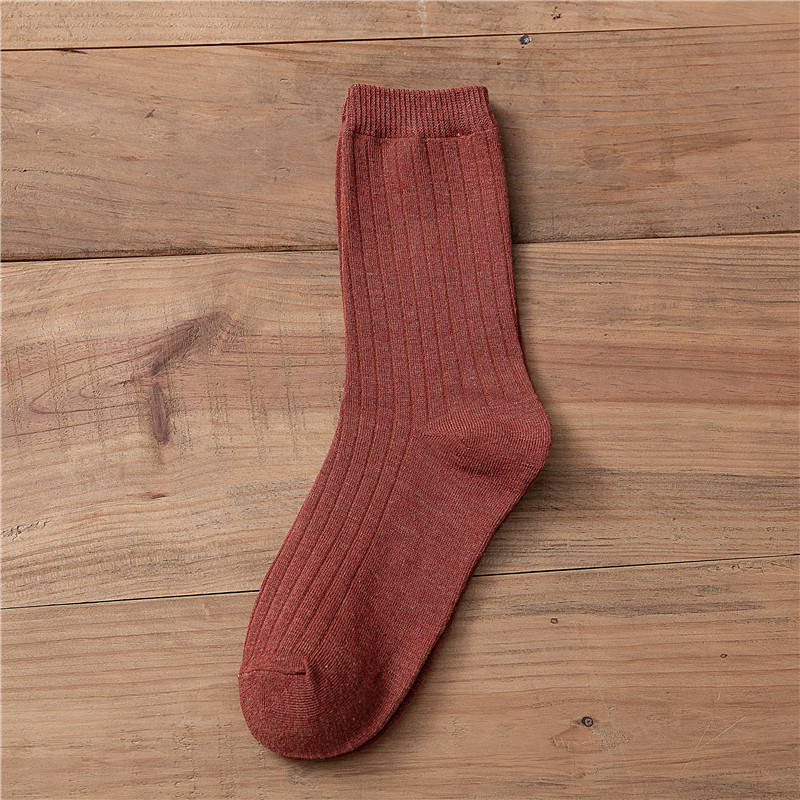 Manufacturers wholesale new spring and summer pure cotton socks fastens a short style tide to wrap a stocking for ladies
