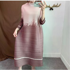 Autumn New Patchwork Gradation Fold Dress Women Plus Size Loose Stripe Pleated cocktail dress for fat women