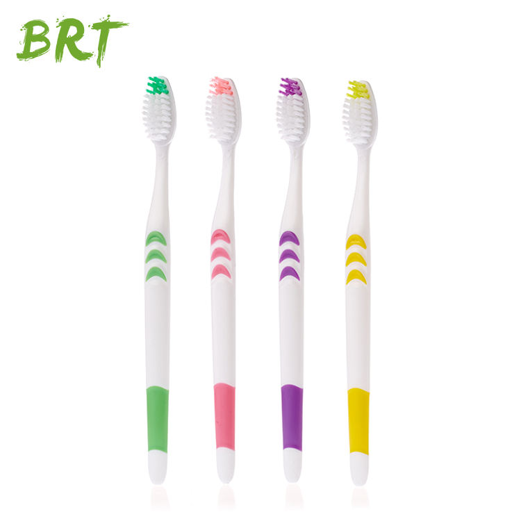 China Factory One Time Use Custom Plastic Hotel Toothbrush