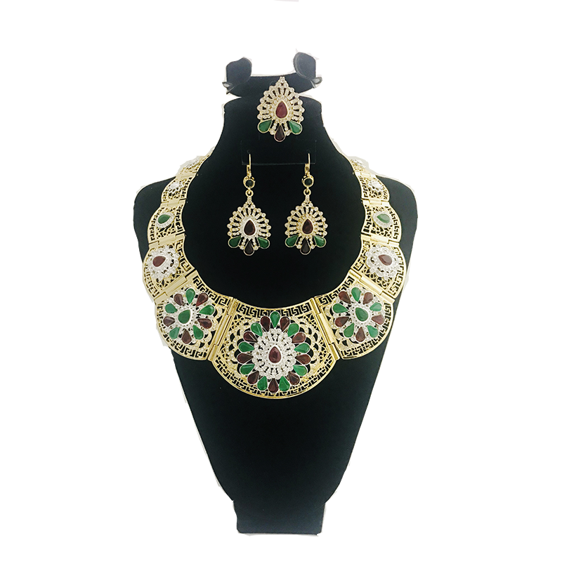 Classic selling good wedding Party jewelry set gold color crystal necklace for women Arab Muslim dress jewelry three-piece set
