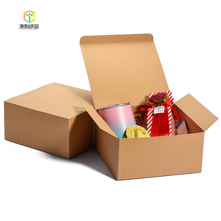 2020 Hot Selling Gift Boxes 8x8x4in for Bridesmaids White Kraft Packaging Boxes with Lids for Crafting, Cupcake Boxes