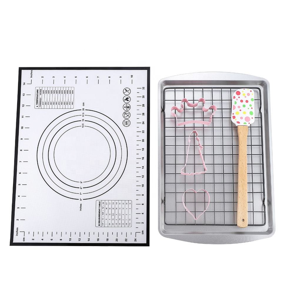 7pcs Baking set with baking pan spatula cooling grid and cookie cutter bakeware tool set