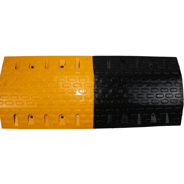 Rubber Speed Hump Thickened And Aggravated Deceleration Strip Rubber Road Speed Hump For High Way