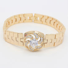 Wholesale 2020 new fashion design dubai 18k gold plated zircon jewelry bracelet for women girls