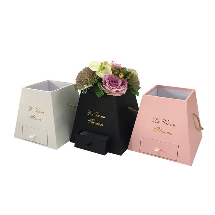 Wholesale valentine's day small pyramids packaging flower box with drawer