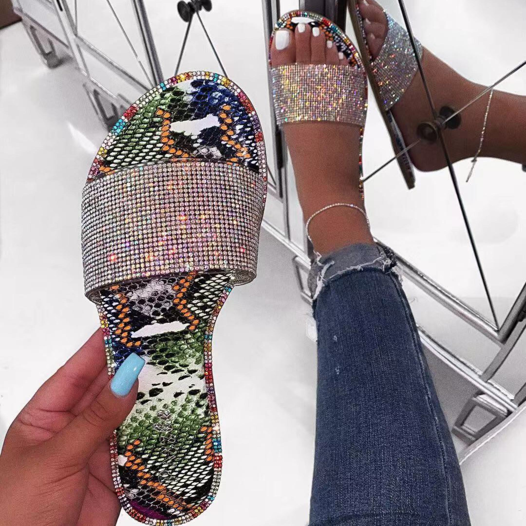 Fashion shoes women sandals 2020 pvc flat lady beach slide diamond Slippers For Women Sandals for Women and Ladies