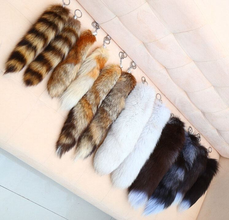 Factory wholesale big and fluffy raw or dyed real fox tails for keychain