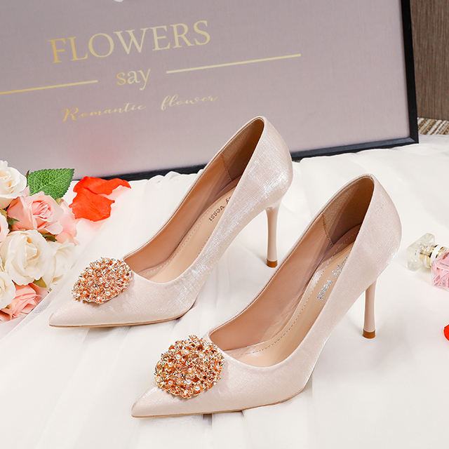 China factory manufacture fashion design women high heels ladies pointed toe set foot bridal shoes