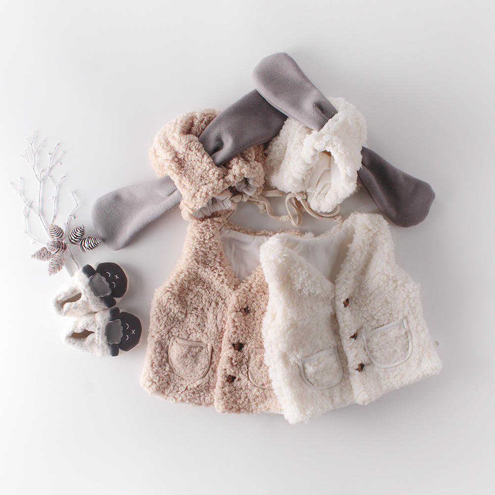 2019 new winter sweet pure color warm joker baby clothes 0-2 years old cardigan lambs wool vest coat with hat
