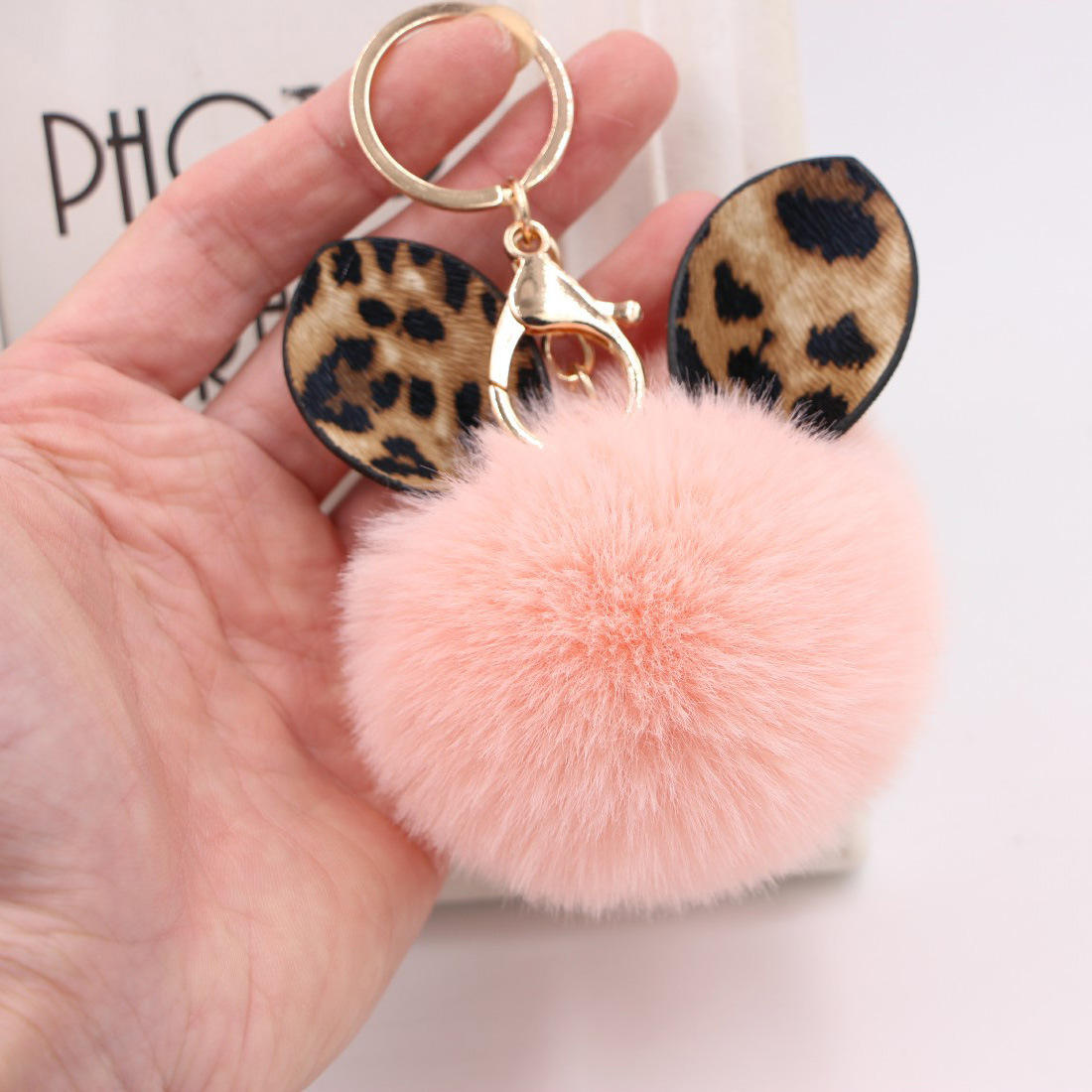 Wholesale Unique Animals Shaped Fur Ball Pom Pom Bag Chain And Leopard Key Chain