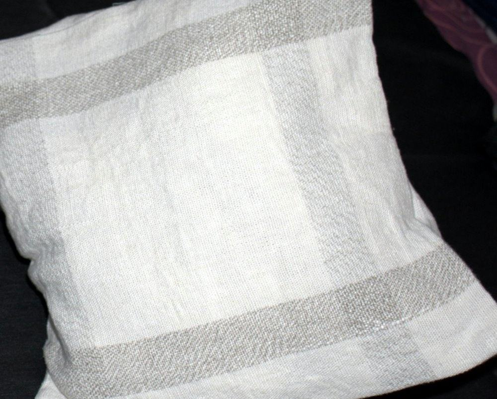Cushion Cover 100% Linen - hand woven fabric used