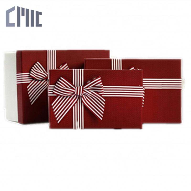 Private Luxury Cosmetic Gold Foil Printing Christmas Paper Bag Jewellery Box For Bracelet Honey Bee With Gift Outer