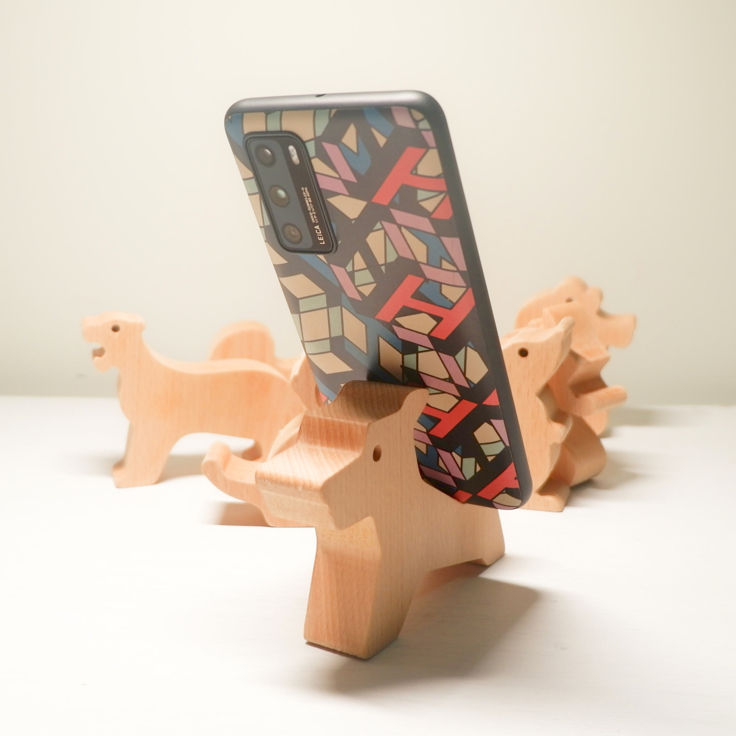 Solid Wood Zodiac Animal Cell Phone Holder Wooden Arts Crafts Decoration Wood Ornaments