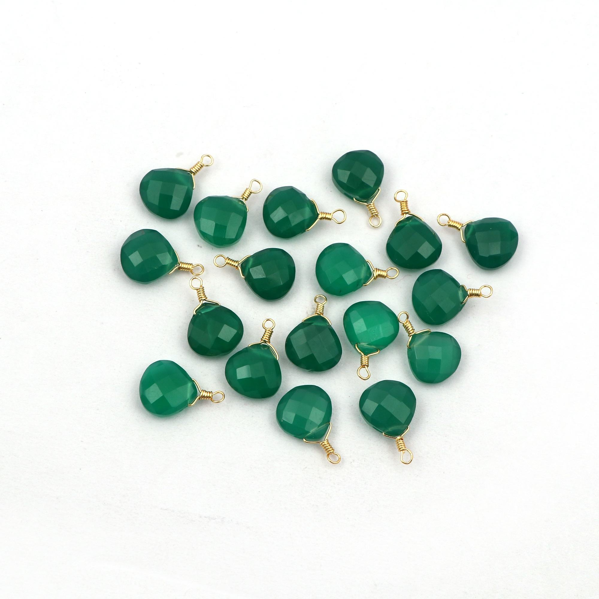 Green onyx gemstone heart shape connectors checker cut gold wired jewelry findings connectors