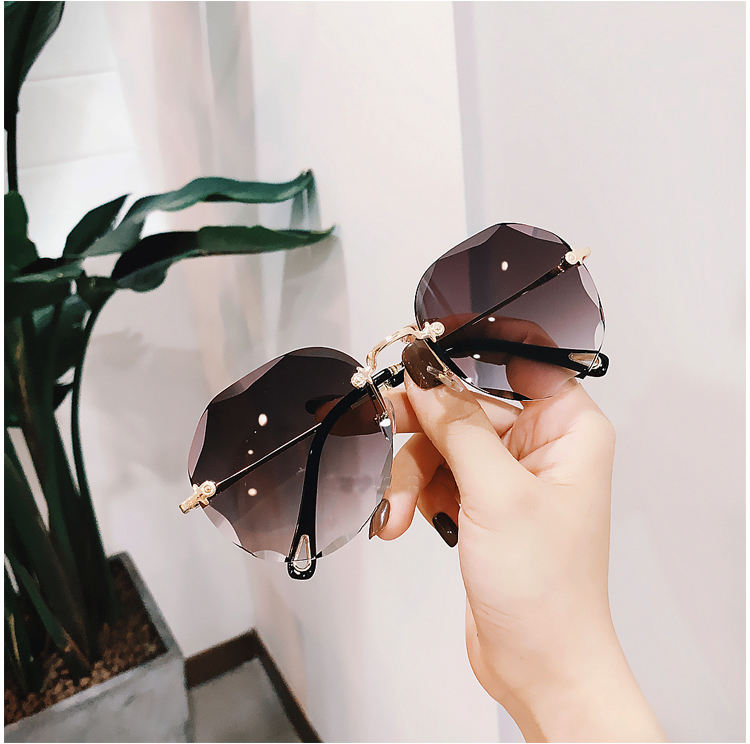 UV400 Oversized Shades Sun glasses Sunglasses Women Female Lady 2020 brand design trendy Rimless sunglasses