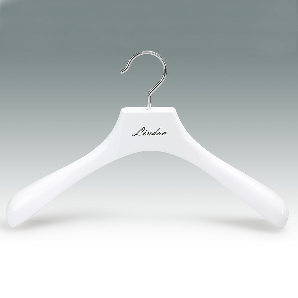 Custom Logo Fashion Brand Set Extra Wide Shoulder Rack Wooden Garment White Clothes Hanger for Cloths
