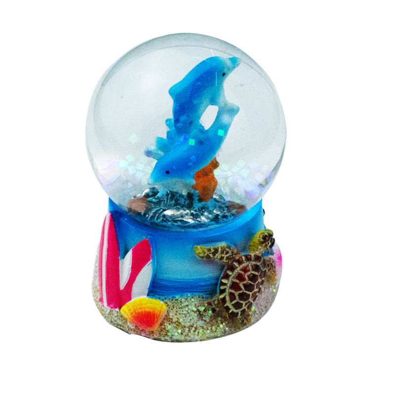 Scenery [ Water Globe ] Cheap Wholesale Resin Custom Made Water Resin Snow Globe For Sale