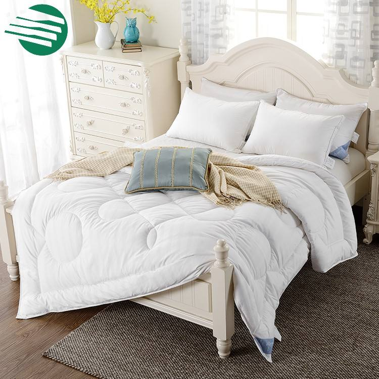 Hypoallergenic solid color Luxury Bamboo Down Alternative Comforter Duvet