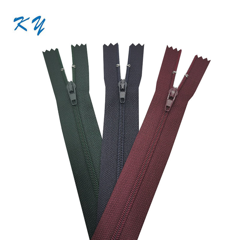 Colorful #3 #5 nylon close end zipper for luggage bags