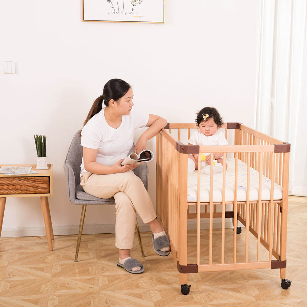 Multi-function round cribs Wooden baby crib With Castors Baby Crib With Adjustable Bed Board