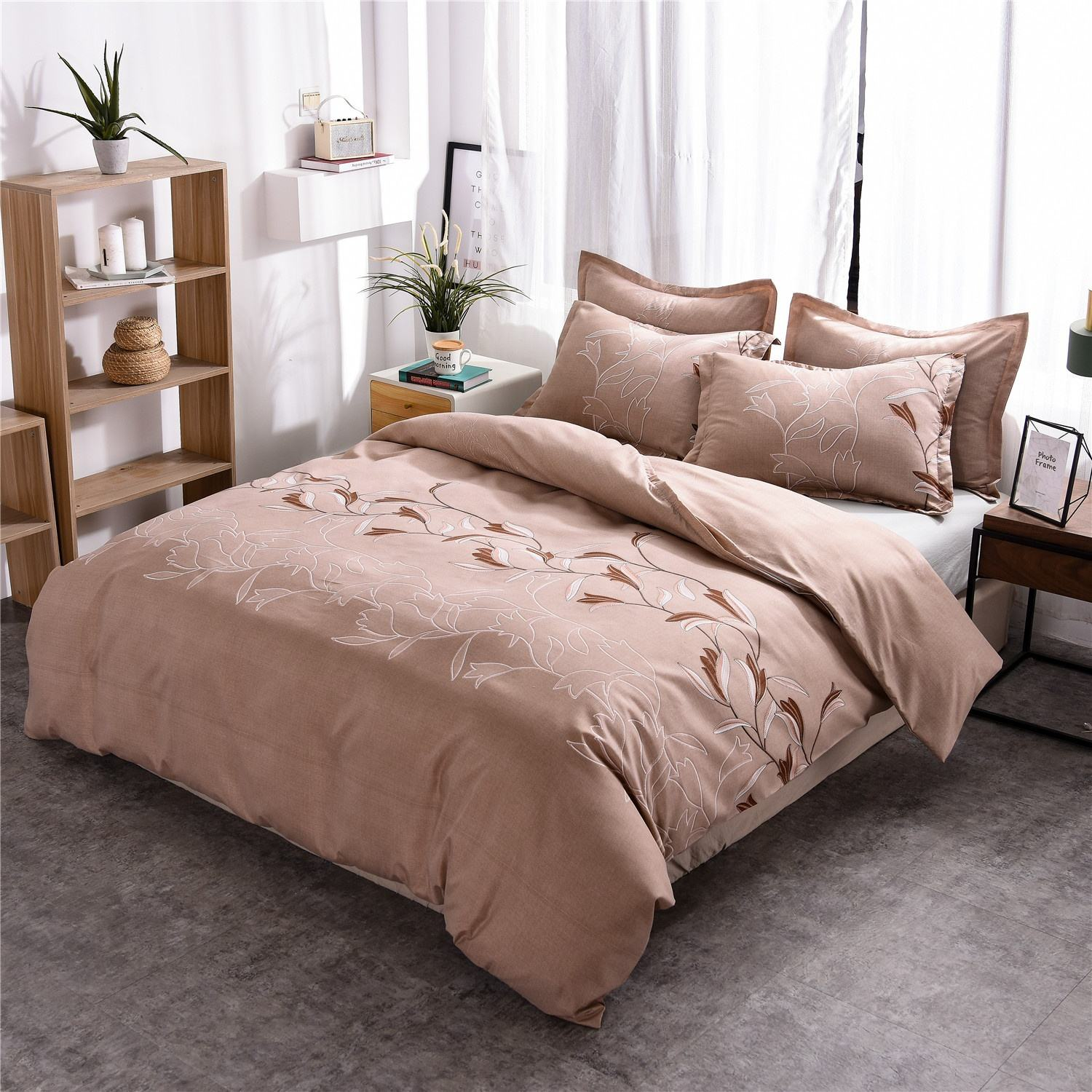 Polyester fabric Simple Plain Color Printed duvet cover set bedding article