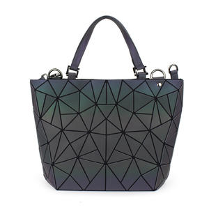 Fashion Geometric Lattice Luminous Shoulder Bag