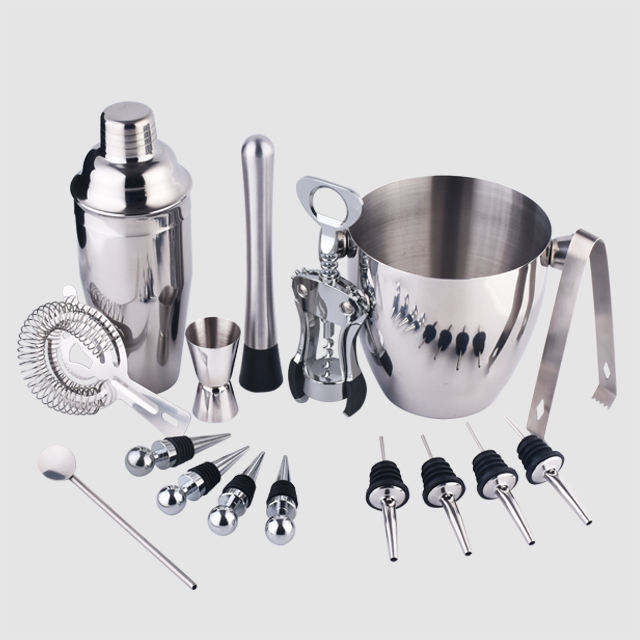 Factory Direct 700ml stainless steel stand bar tool shakers cocktail drink mixer set with steel base