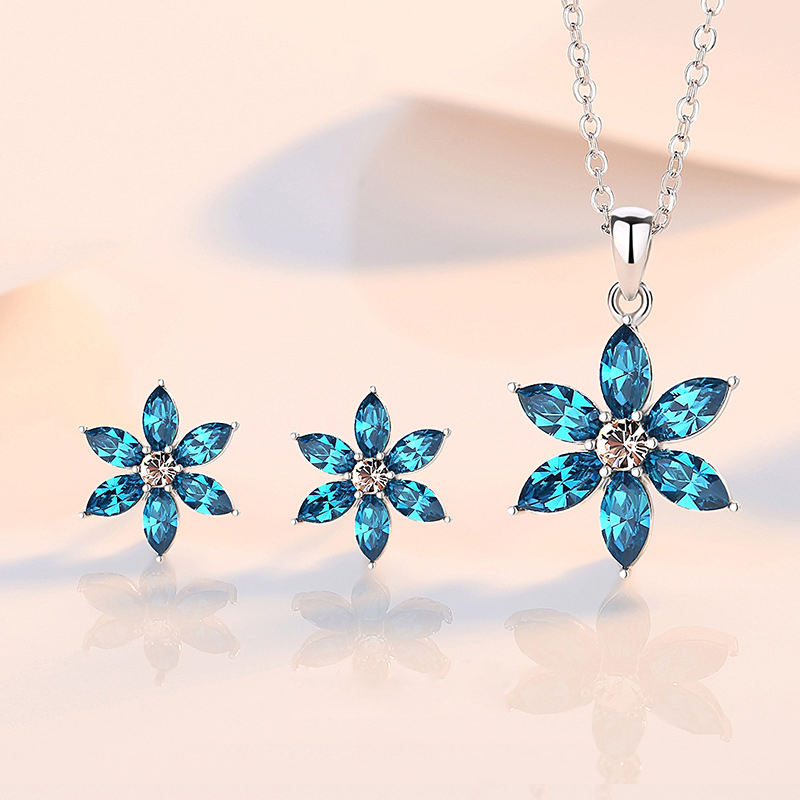 2020 High Quality S925 Sterling Silver Jewelry Embellished Crystal Lucky Flower Earrings Necklace from Swarovski