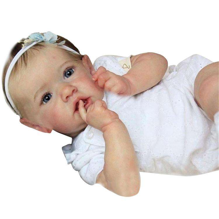 22-inch simulation baby doll, realistic handmade baby doll gift/toy for children over 3 years old