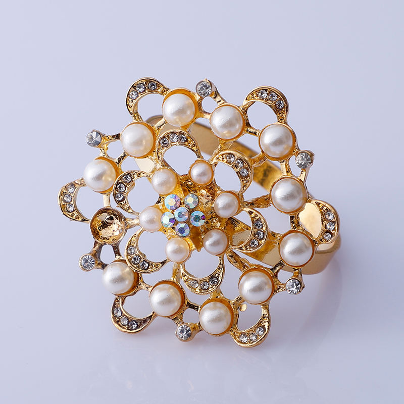 High Quality Hotel Floral Napkin Buckle Ring Flower Rhinestone Napkin Rings for Wedding Hotel
