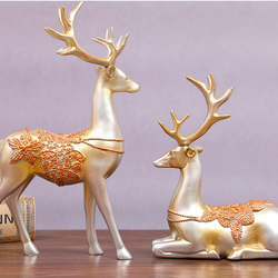 European-style creative gifts couple wedding gifts wine cabinets decorate the living room deer