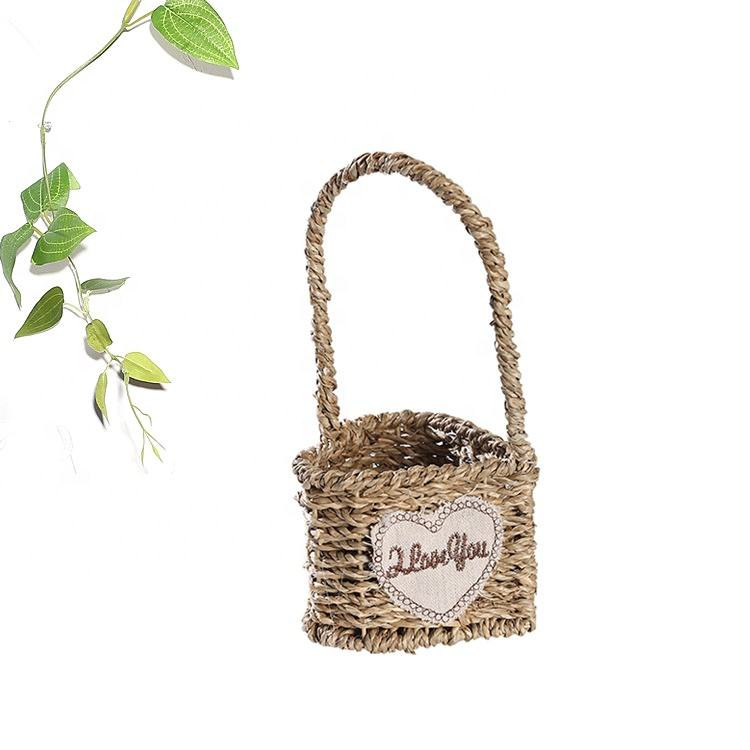 Elegant Style Handmade Wedding Decoration Heart Shape Seagrass Woven Flower Basket 11x8.5x22cm