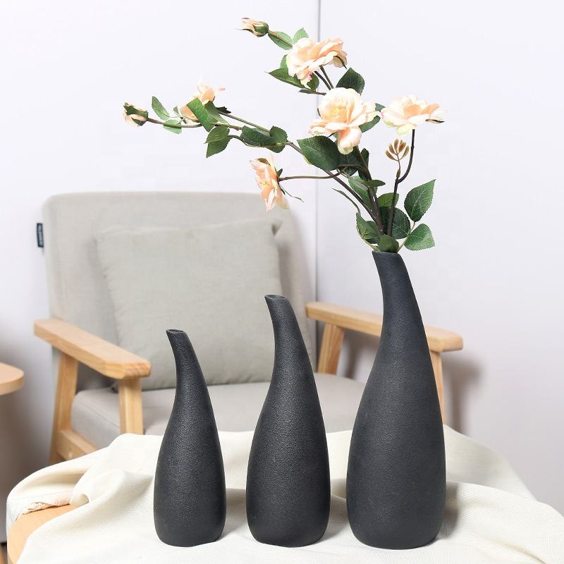 Nordic modern simple pottery and porcelain large vase sitting room creative lubao black pottery vase model room decoration set
