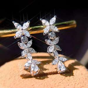 Elegant and Gorgeous Popular Style Natural Diamond Lucky Four Leaf Clover shape water drop diamond 18K Pure Gold Drop Earring
