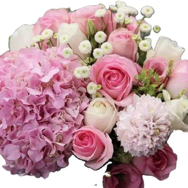flower gift fresh and beautiful flowers as gift to be sent to friend for greeting and transferring love and missing