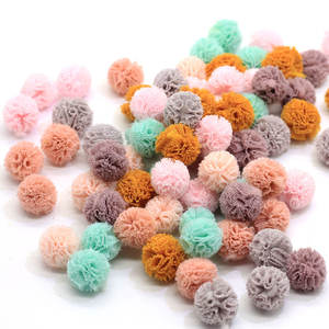 Hot Selling 100Pcs Round Fabric Pom Pom Balls 15MM Mini Pompoms Ball Beads Baby Shower Nursery Decor Christmas Party DIY
