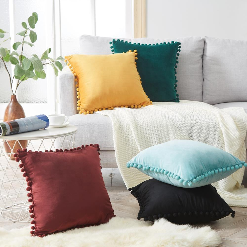 Super Soft Solid Color Decorative Custom Velvet Pillow Cover Pom Pom Cushion Covers with Ball