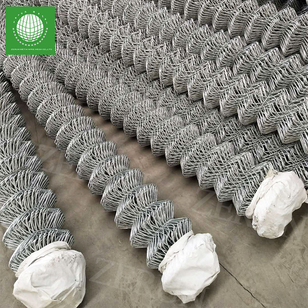 PVC coated wire back silt chain link fence for wholesales