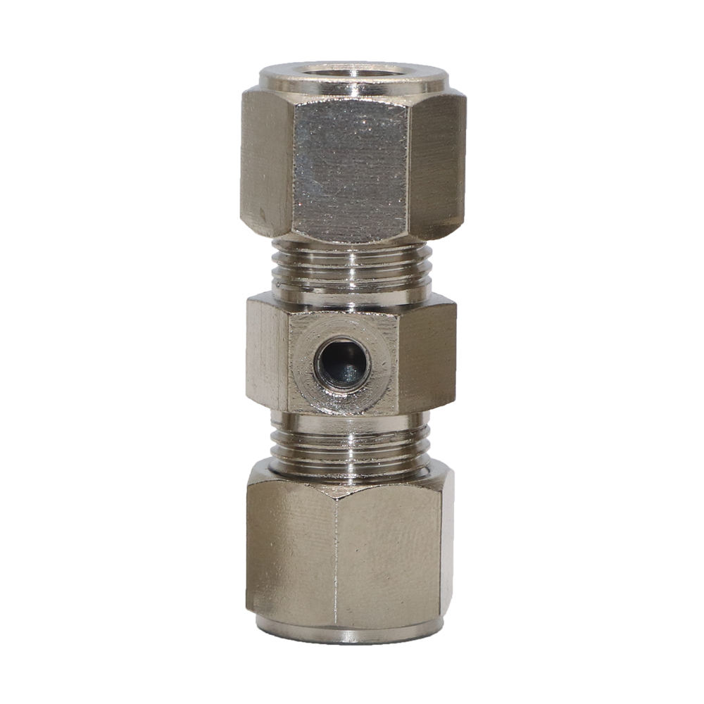 "SYD-1148-7 Brass nickel plated 3/8"" (9.52mm) tube through quick nozzle connector with 1 hole for 10-24 thread misting nozzle"