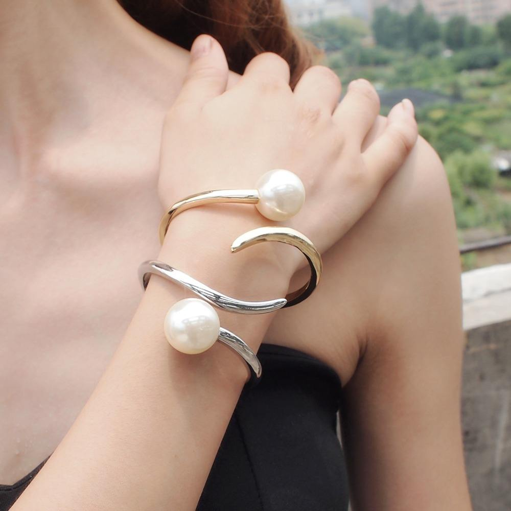 HANSIDON Chic Simulate Pearl Bracelet Cuff Geometric Alloy Handmade Fashion Bracelets Trendy Statement Jewelry Women Bangle