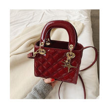 Quilted Patent Leather Cross Thread Handbag Women Designer Messenger Elegant Lady Crossbody Bag Chains Hand Tote Shoulder Bags