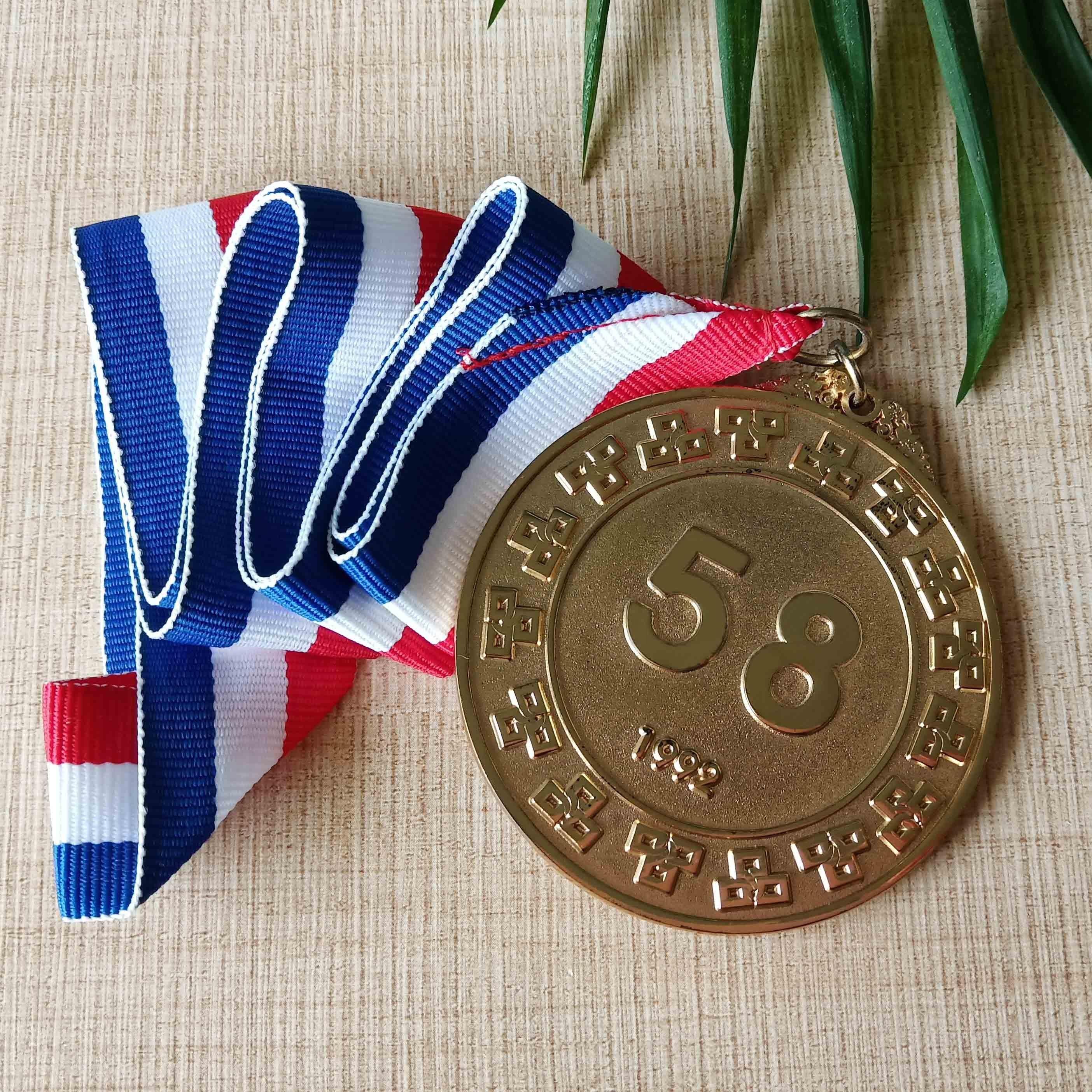 Personnalisé <span class=keywords><strong>Offre</strong></span> Spéciale de sport en métal pas cher <span class=keywords><strong>médaille</strong></span> de marathon