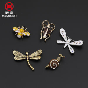 Chinese Factory Hot Sale diamond enamel metal Insect jewelry pins rhinestone crystal snail brooch