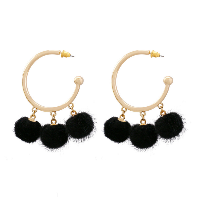 2020 Amazon Top Selling Cross-border C-type Earrings Exaggerated Pom Pom Ball Earrings