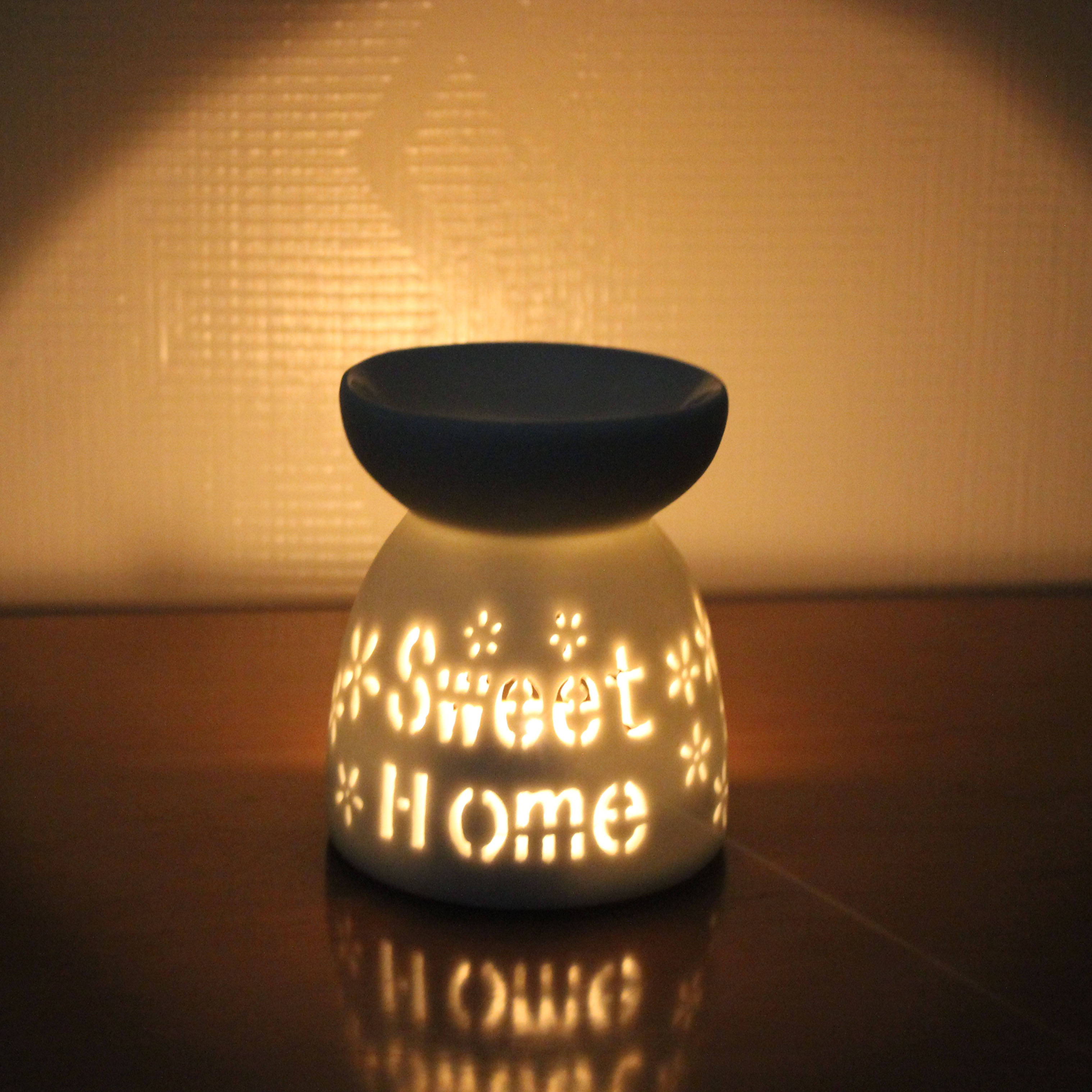 Furnace Home Decoration Romantic White Ceramic Tealight Candle Holder Oil Burner, Essential Oil Incense