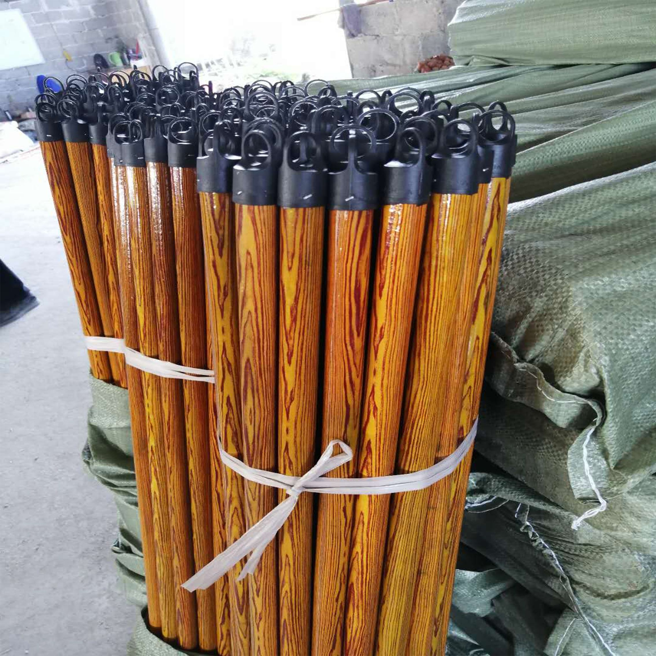 Factory direct wholesale machine to make wooden broom handles for natural wooden mop stick india