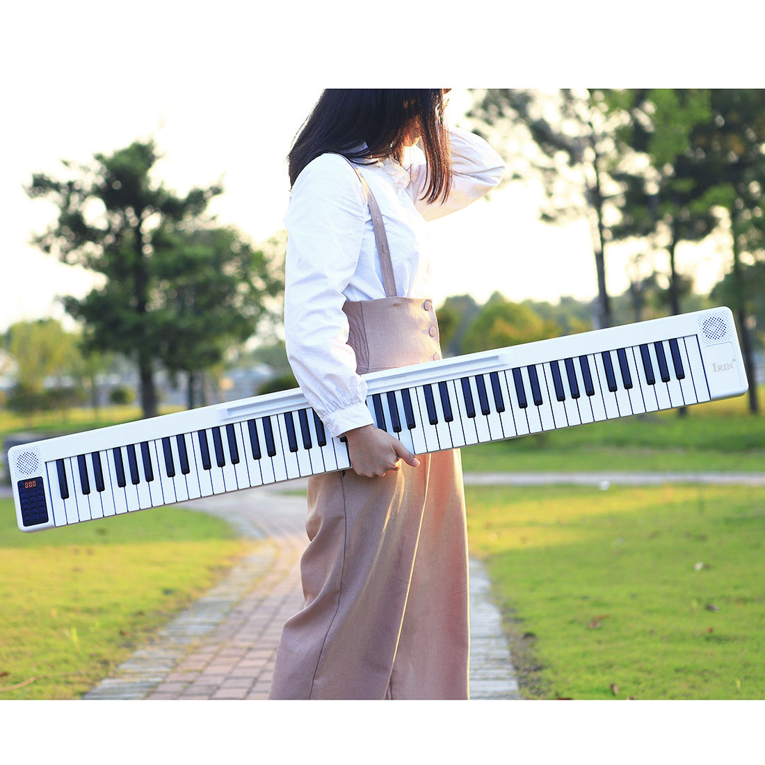 Wholesale IRIN Hot sale digital music instrument 88 keys white black Portable fold splicing piano organ electronic keyboard